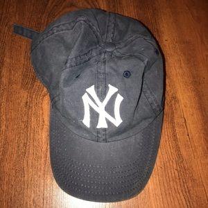 Brandy Melville Yankees Hat